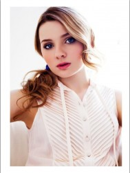Abigail Breslin - Remix Magazine Photoshoot (x3)